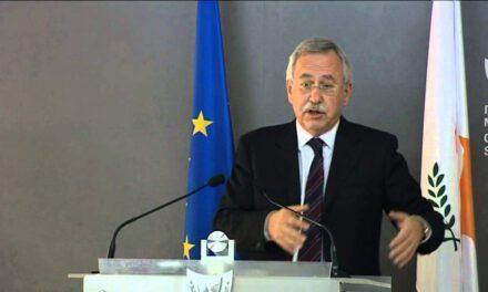 Με τις απειλές του κ. Χάσικου δε λύνεται το Κυπριακό.