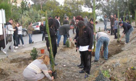 Ξεκινάμε και φέτος με στόχο τα 16916 δέντρα – Πρώτη δενδροφύτευση στην Αγ. Μαρίνα Ξυλιάτου
