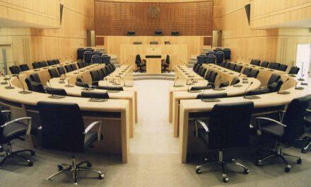 Συζήτηση του θέματος του κατασκοπευτικού βαν και των καταγγελιών για παρεμβάσεις στο έργο του Γενικού Εισαγγελέα ζήτησε ο Γ. Περδίκης στη Βουλή