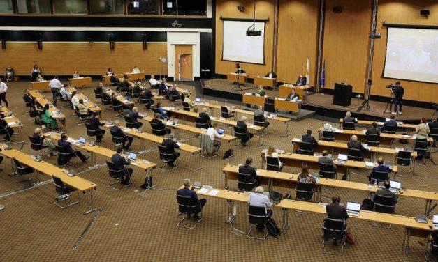 Ξεκάθαρη προσπάθεια υπόσκαψης του πορίσματος της Επιτροπής Αρέστη από την Κυβέρνηση για τον Συνεργατισμό