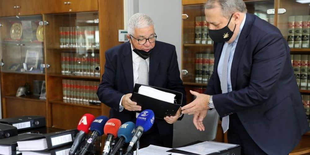 Το πόρισμα Νικολάτου να παραδοθεί ολόκληρο στη Βουλή χωρίς «μαύρα σημεία»