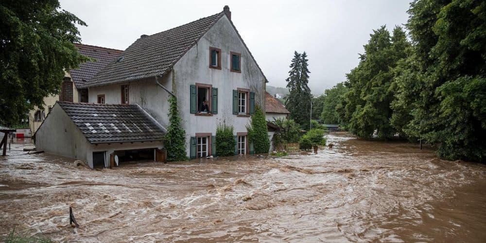 Εκφράζουμε την αλληλεγγύη μας στους πληγέντες από τις φονικές πλημμύρες στην Ευρώπη