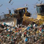 Αντί να προωθούμε την ολοκληρωμένη διαχείριση των απορριμμάτων, ξοδεύουμε εκατομμύρια για την δημιουργία χωματερών