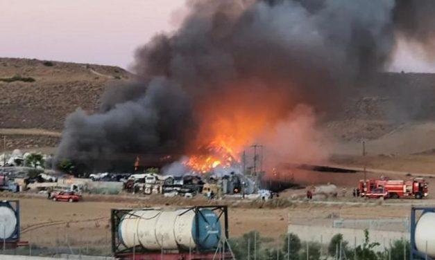 Άμεση ανάγκη αξιολόγησης βιομηχανικών εγκαταστάσεων από πυροσβεστική υπηρεσία για αποτροπή νέων τοξικών πυρκαγιών